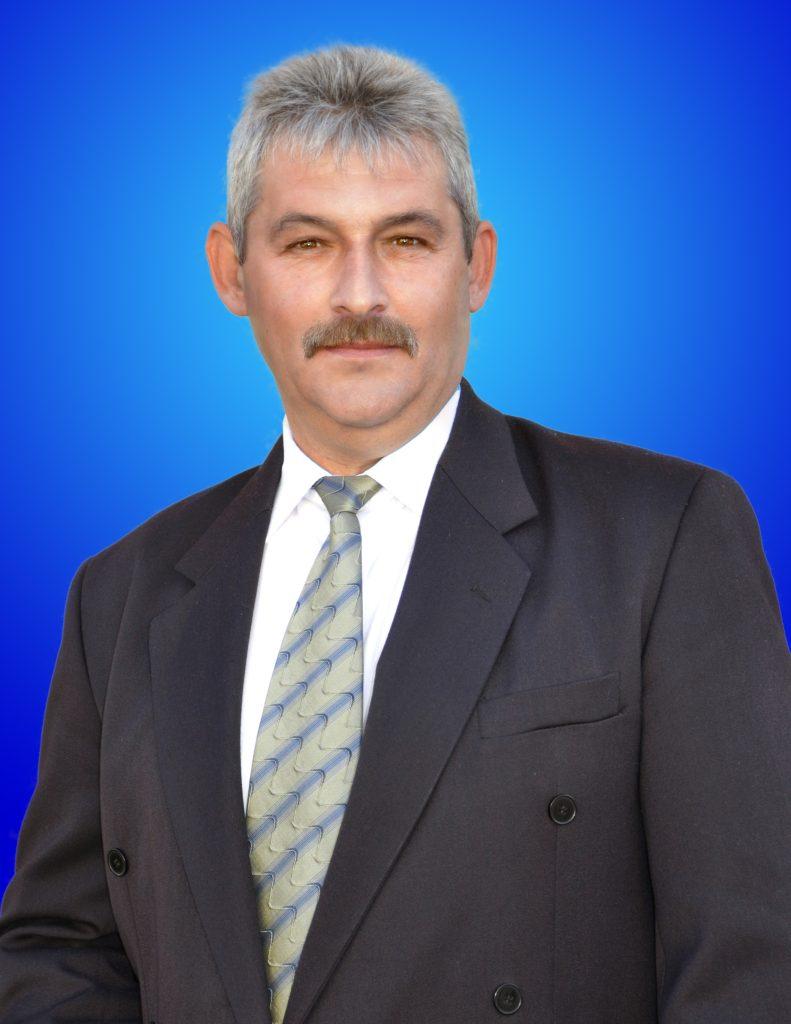 Creciunesc Doinel - viceprimarul comunei Pui