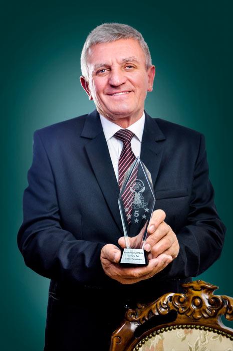 Victor Tiberiu Stoica - primarul comunei Pui